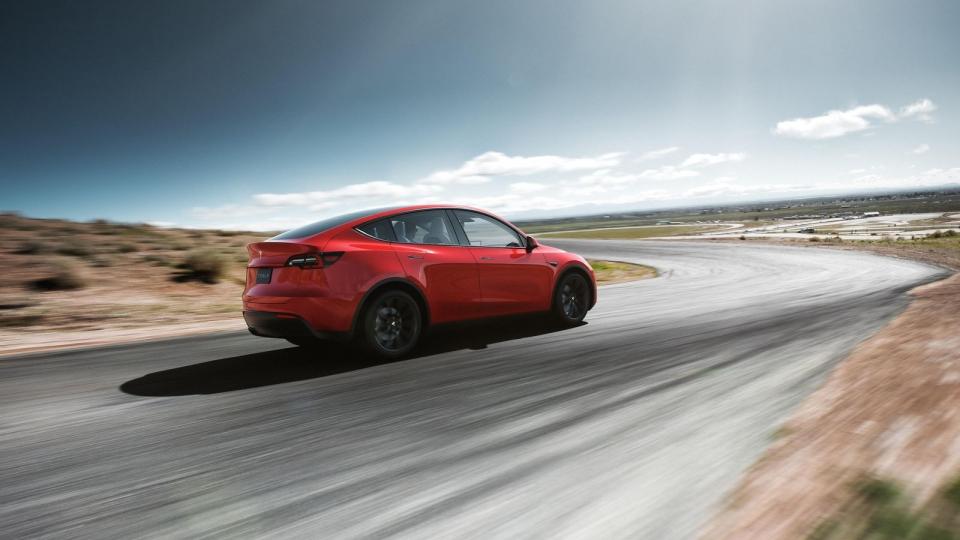model-y-rear-34-red